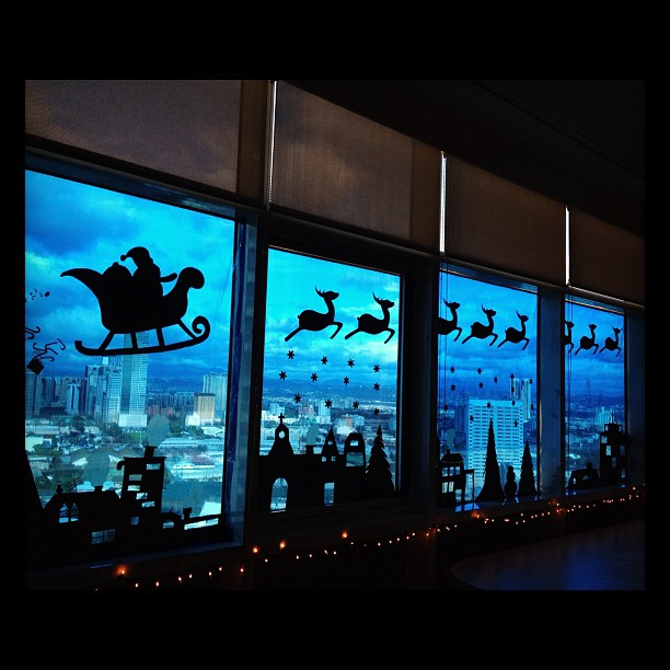 Best Christmas Window Silhouette Decorations 2021