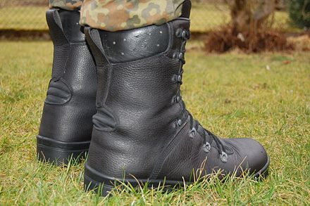 8 Best Tactical Boots Review-Buyer Guide 2021
