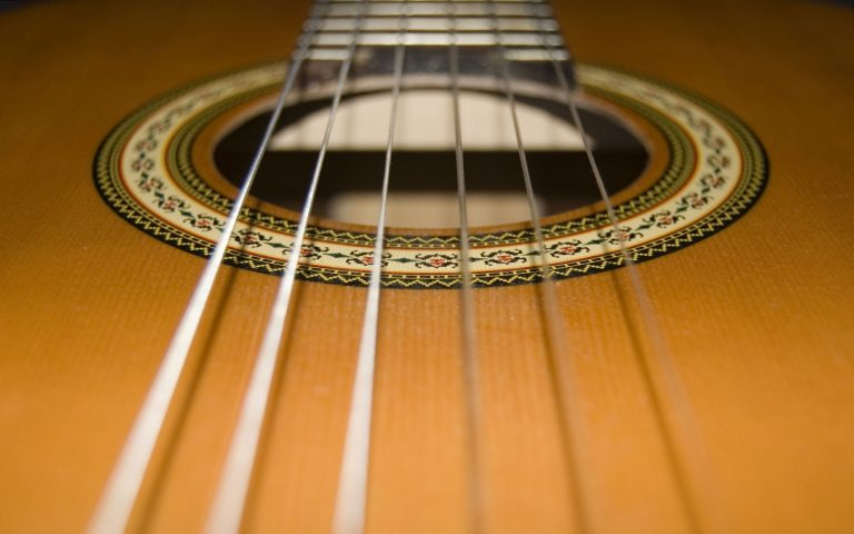5 Best Acoustic Guitar Strings Reviews – Buyer Guide 2021