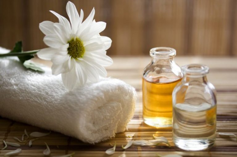 The Best Massage Oils for Your Skin and Body