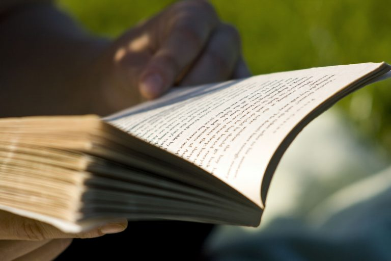 How to read one book a day