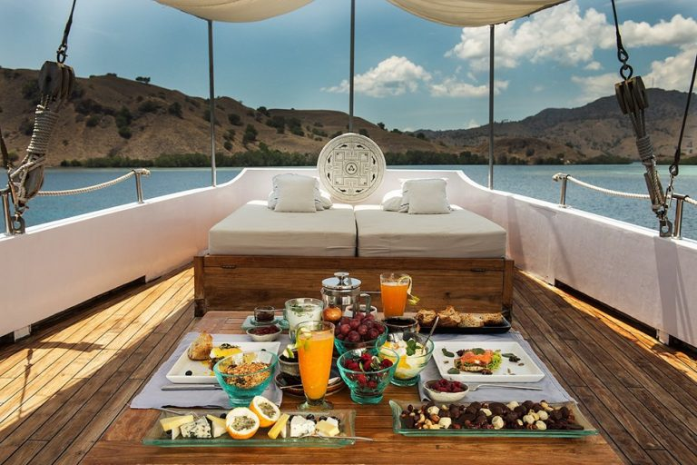 Going on a Luxury Komodo Cruise? Here's what to Expect at Night